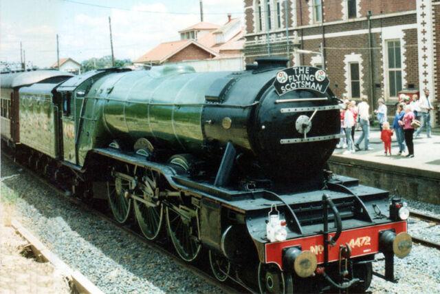 File:LNER 4472 Seymour 1989.jpg