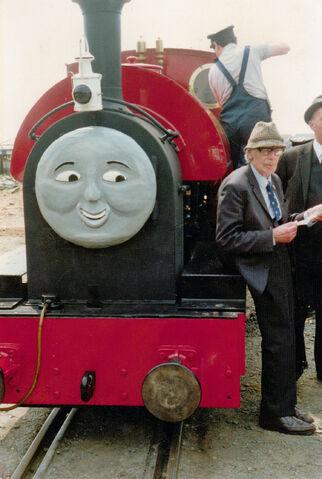File:Rev W Awdry and Peter Sam - Tivedshambo 1988-05-14.jpg