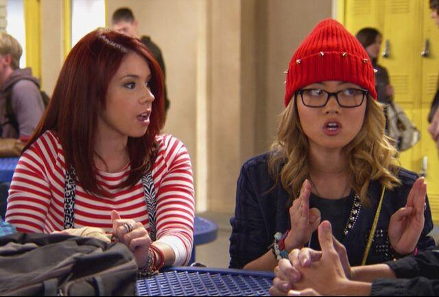 File:Ming and Tamara discussing Matty and Jenna's status.jpeg