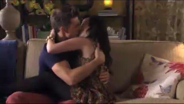 File:Jollin Kisses Again.jpeg