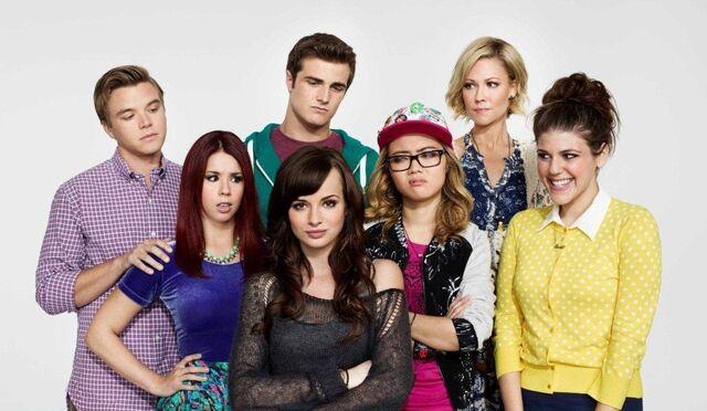 File:Cast of Season 3.jpg