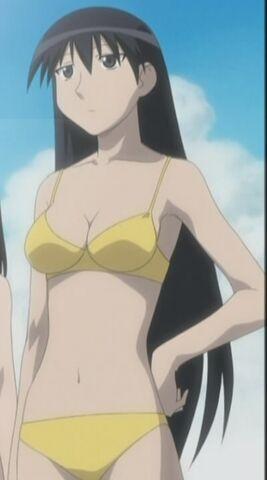 File:Sakaki Swimsuit 1.jpg