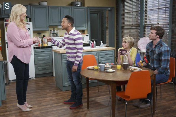 File:Baby Daddy - Episode 3.21 - You Can't Go Home Again - Promotional Photos (10) 595 slogo.jpg
