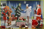 Baby-daddy-christmas-photo-05