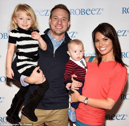 File:Melissa Rycroft Family.jpg
