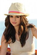Selena-Dream-Out-Loud-Spring-2011-photo-shoot-3-199x300