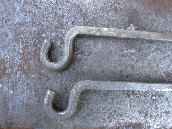 Making steel hooks for arms - 08