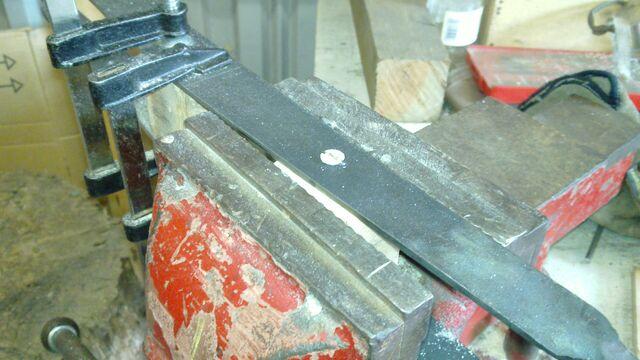 File:Assembling the little ladder - 07.jpg