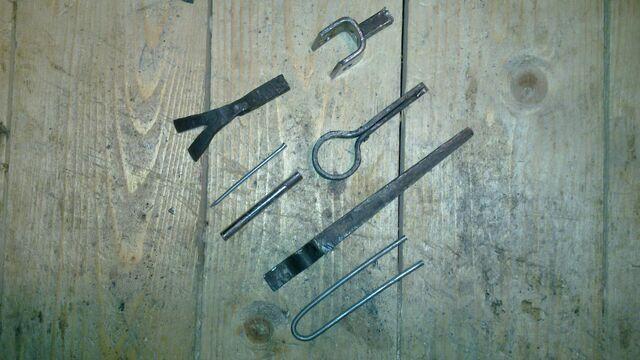 File:Cheiroballistra triggering mechanism parts - 02.jpg