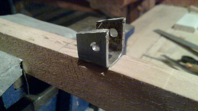File:Attaching cheiroballistra fork and tenon to the slider - 07.jpg