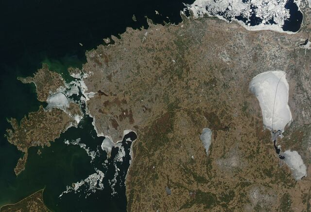 File:Satellite image of Estonia in April 2004.jpg