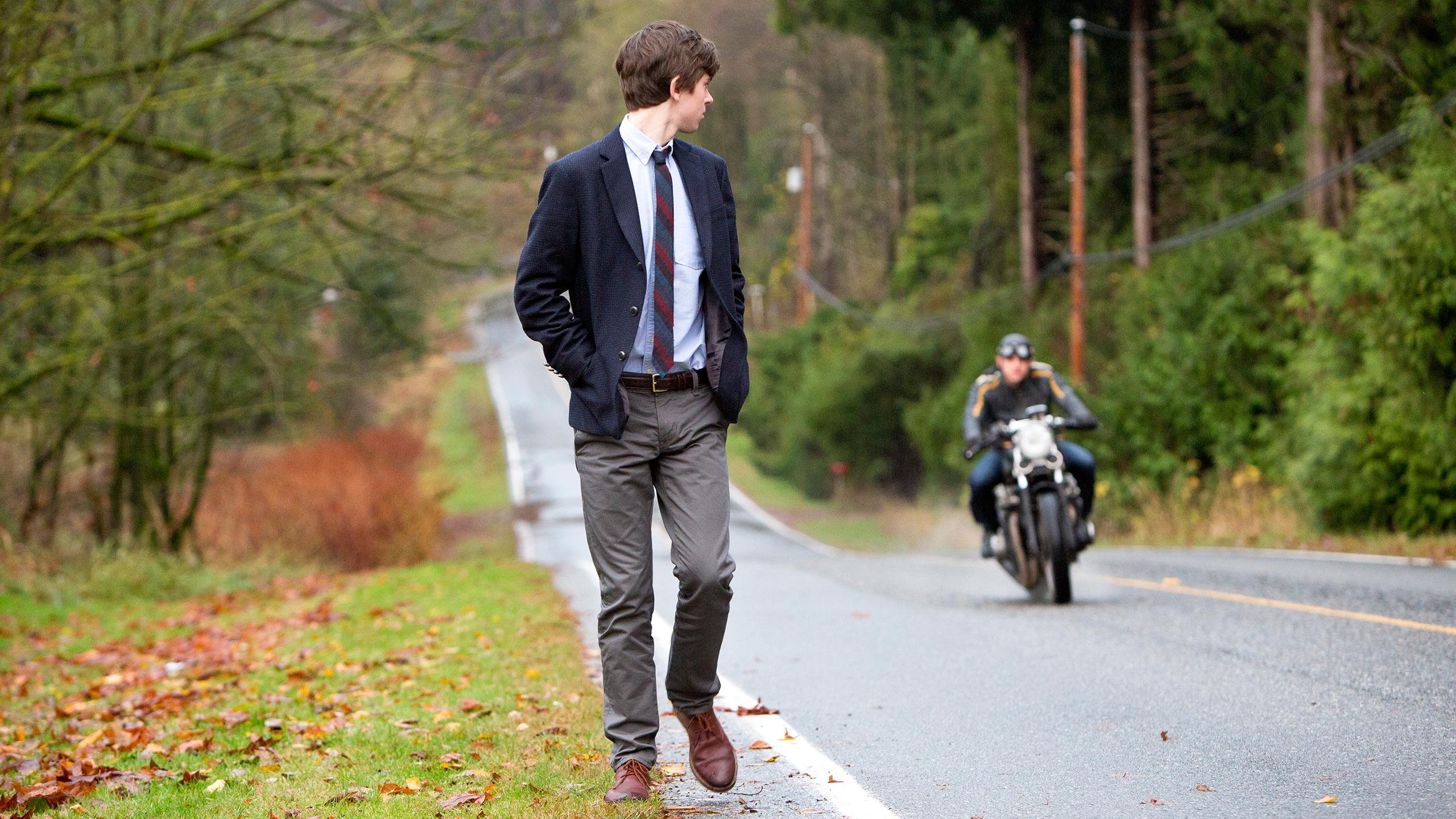 File:07-norman-spots-dylan-as-he-walks.jpg