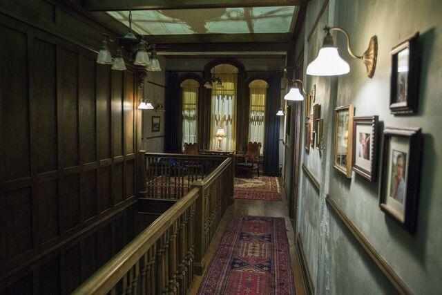 File:Bates House Second Floor Hall.jpg