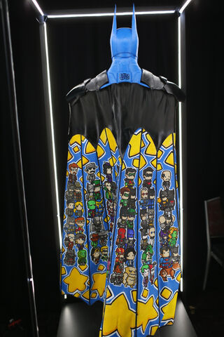 File:SDCC2014-Batman-Cape-Cowl create Art Exhibit 452635904.jpg