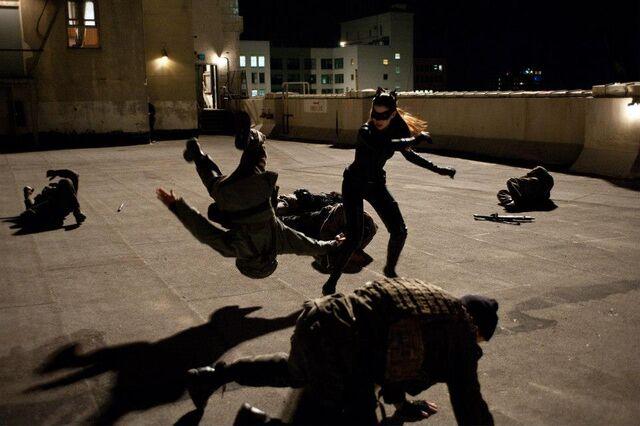 File:Catwomanfights TDKRjpg.jpg