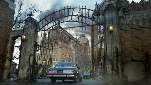 File:Gotham-arkham-asylum12.jpg