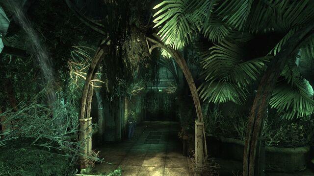 File:Arkham-Glasshouse Entrance4.jpg
