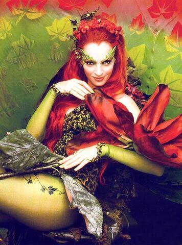 File:Poison Ivy (Uma Thurman) 4.jpg