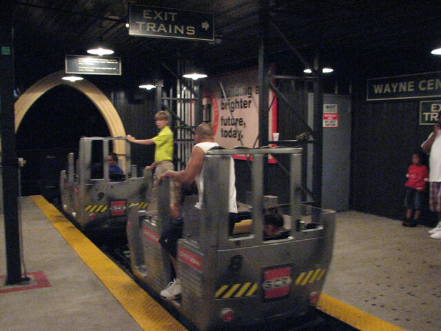 File:DK Coaster loading SF Great America.jpg