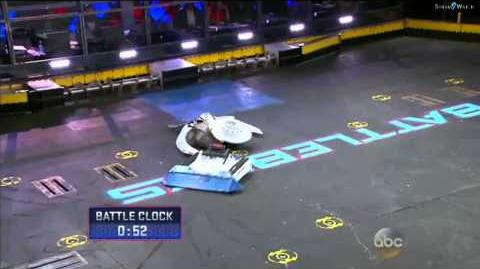 BattleBots 2015 - Biteforce vs Warhead