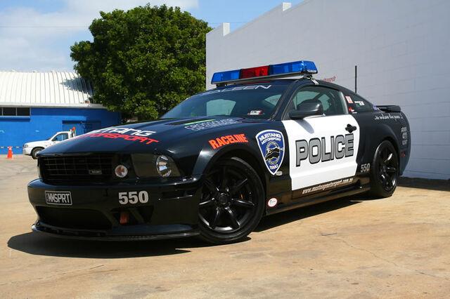 File:Ford Mustang IRL.jpg