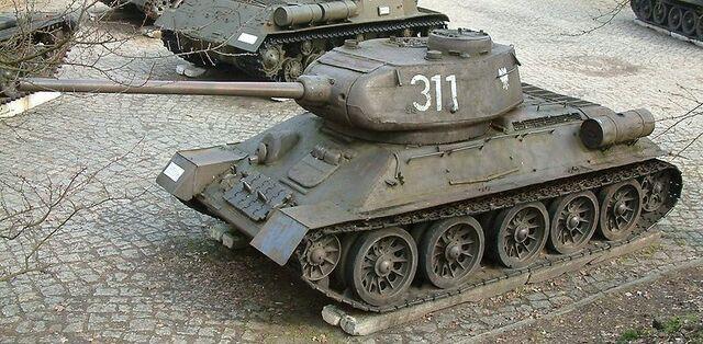 File:800px-T-34-85 góra RB.jpg