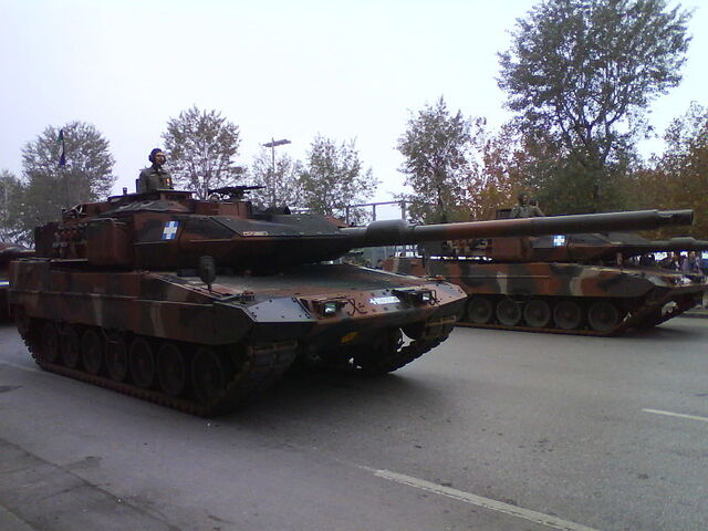 File:Greece Leopard 2.jpg
