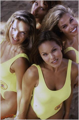 File:Allie, Dawn, Jessie and Kekoa 2.jpg
