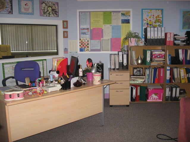 File:Secatery office.jpg