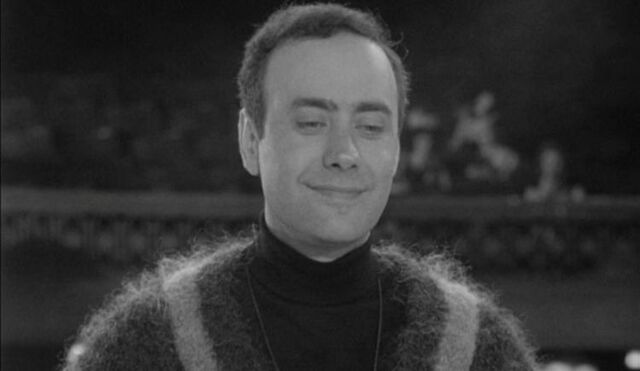 File:Victor Spinetti as the TV Director.jpg