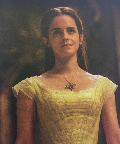 File:New-pictures-of-Belle-emma-watson-40210251-415-500.jpg