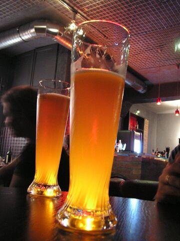 File:Beerpub.jpg