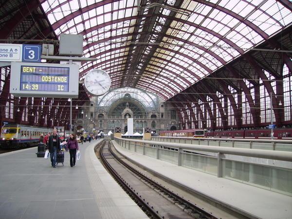 Fichier:Antwerp-Station-0.jpg