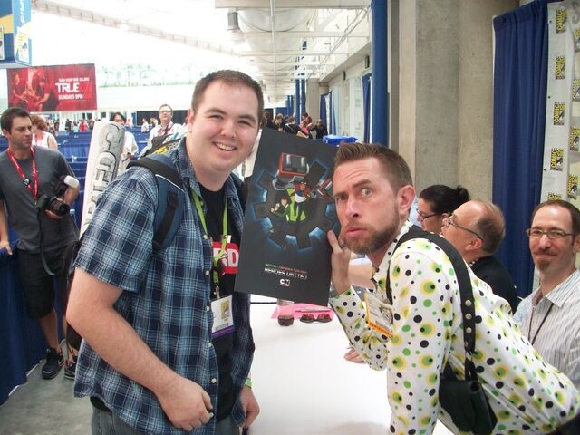 File:Comic Con 2011 (2).jpg
