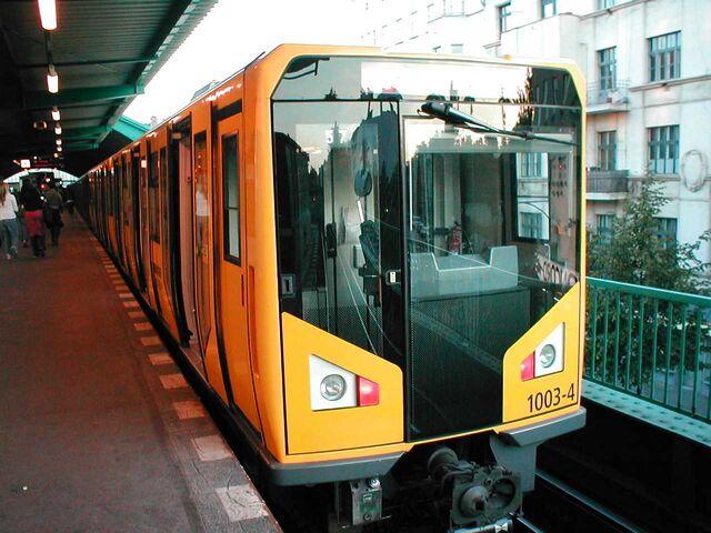 Datei:U-Bahn Berlin Baureihe Hk.jpg