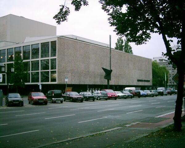 Datei:Deutsche oper berlin.jpg