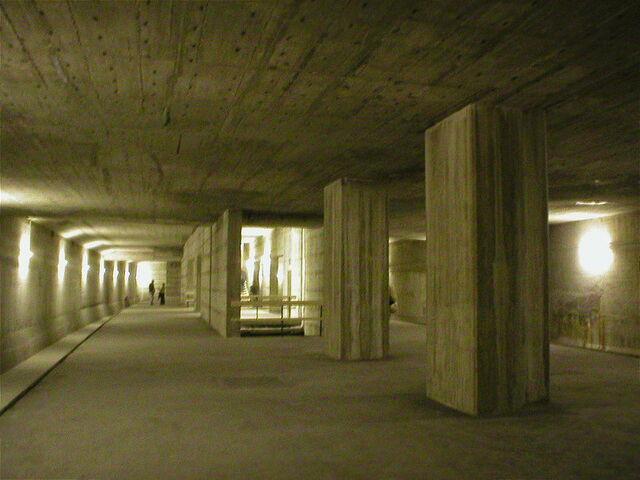 Datei:U10 Innsbrucker Platz.jpg
