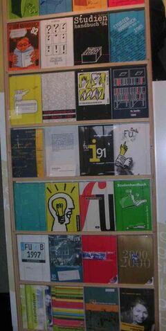 Datei:301px-Freie Universität Berlin - Studienhandbuch.jpg