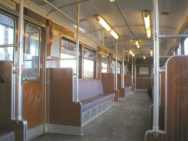 Datei:DL-Zug Berlin Innenraum.JPG