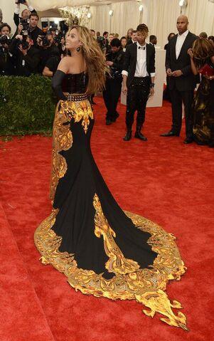 File:Beyonce MET Gala 7.jpg