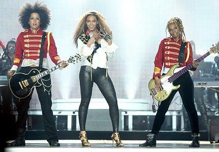 File:Beyonce-gal-worldtour.jpg