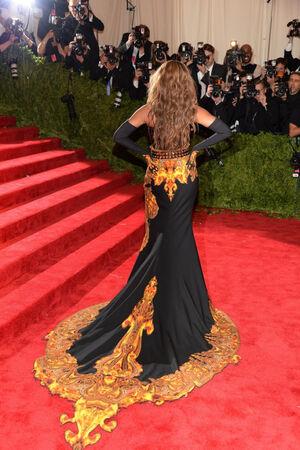 Beyonce MET Gala 4