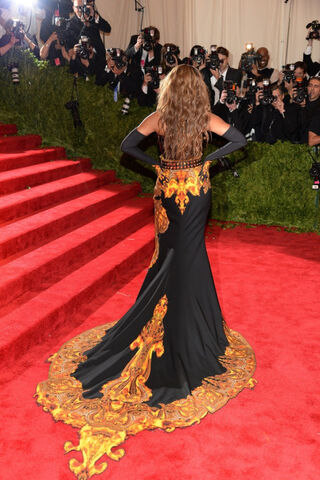 File:Beyonce MET Gala 4.jpg