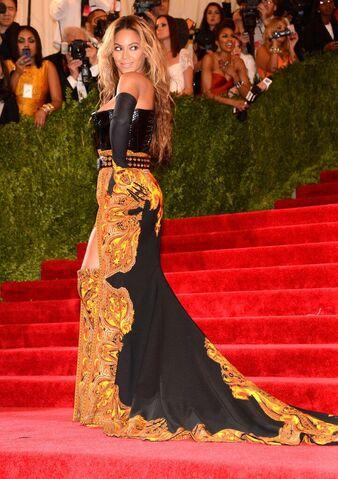 File:Beyonce MET Gala 6.jpg