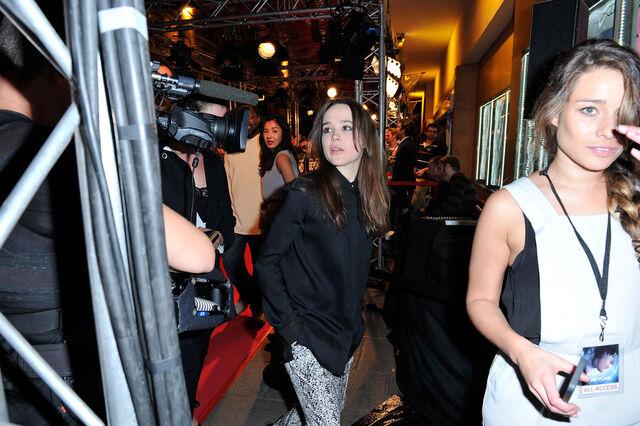 File:Ellen Page Beyond Two Souls Premieres Paris TKTpDBGMoLMx.jpg