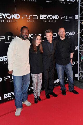 File:Ellen Page Beyond Two Souls Premieres Paris N0pn1uvJMoix.jpg