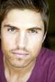 Eric Winter.png