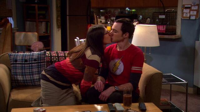 File:Big kiss.jpg