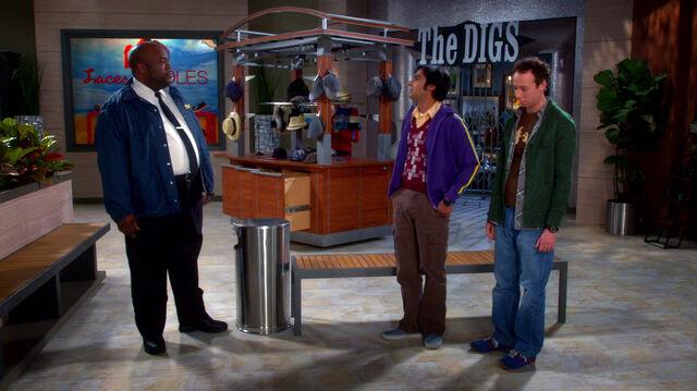 File:Raj and Stuart talking to the security guard.jpg