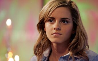 Emma-watson-8371-8704-hd-wallpapers